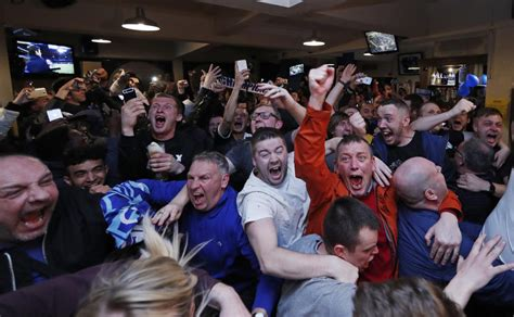 WATCH: Leicester fans, players freak out after team wins ...