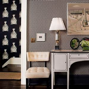 Contrasting, With, A, Bold, Wallpaper, In, The, Hallway, This, Contemporary, Foyer, Also, Boasts, Striking