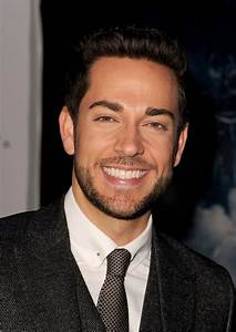 Zachary Levi Photos - 'Thor: The Dark World' Premieres in ...