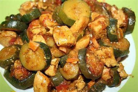 comment cuisiner des courgettes recette de poulet aux courgettes facon tagine