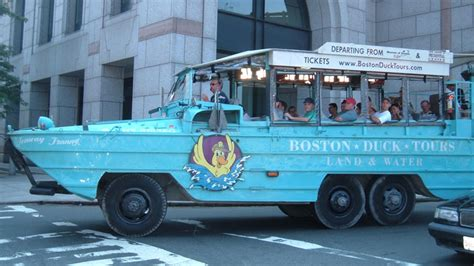 Duck Boat Boston by Bill Calls For New For Boston Duck Boats After Fatal