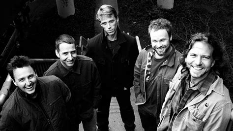 pearl jam photo  wallpapers  wallpapers