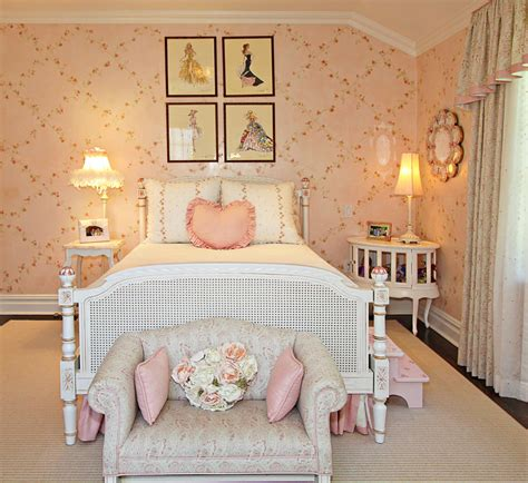 pink and white wallpaper for a bedroom 23 floral wallpaper designs decor ideas design trends 21139