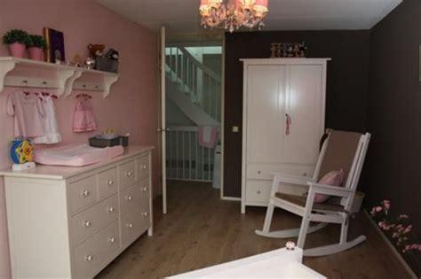 babykamer roze muren interieur inspiratie