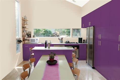 idee deco peinture cuisine et si on repeignait la cuisine en prune la peinture qui change tout