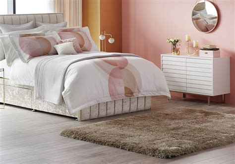 Htons Bedroom Inspiration by Top Tips To Turn Your Bedroom Into A Sanctuary Bedroom