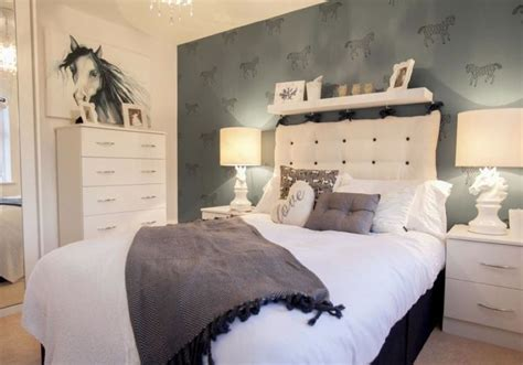equestrian themed bedroom perfect   teen girl