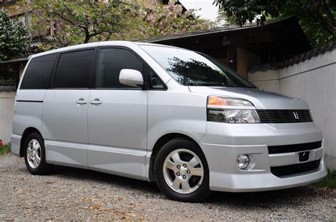 Toyota Voxy Modification by 2002 Toyota Voxy