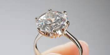 engage rings your engagement ring belongs on your left ring finger not in your suitcase huffpost