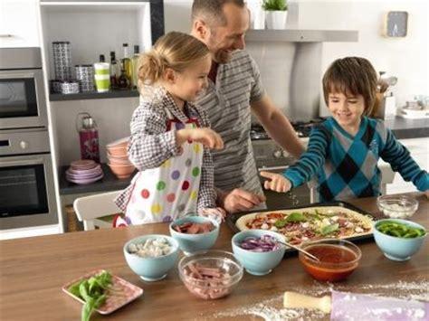 cuisine fait 10 astuces pour moins saler assiette la perle