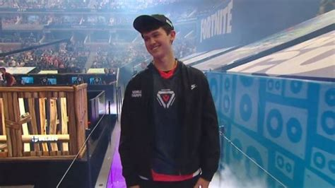 fortnite world cup won   teen bugha  takes home