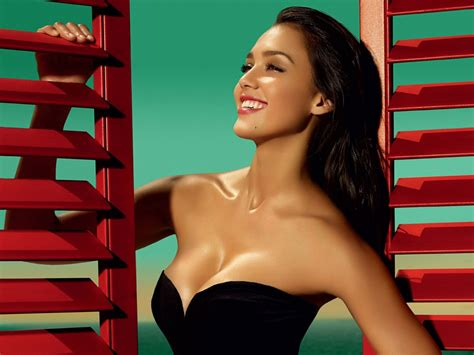 Hot Jessica Alba Hd Wallpaper Beautiful Wallpaper Hd
