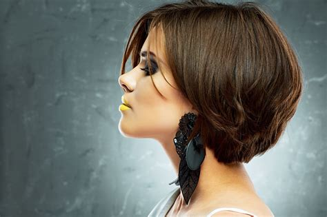 Chic And Edgy Short Hairstyles For Thick Hair