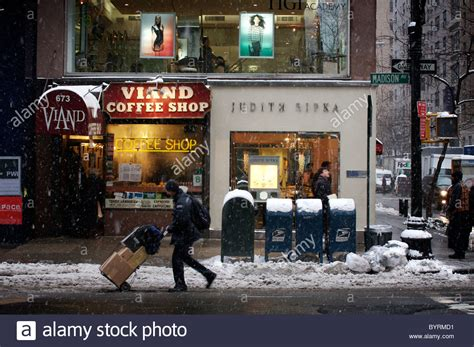 Some new york city coffee shops, like chelsea's cafe grumpy, have ceased providing internet service as to prevent freelance writers and students from overstaying their welcome. The Viand Coffee Shop on Madison Avenue, New York City Stock Photo, Royalty Free Image: 34327021 ...