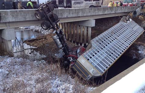 Cattle Truck Crashes On I-24 In Kentucky