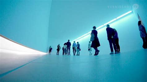 Bruce Nauman Natural Light, Blue Light Room Blain