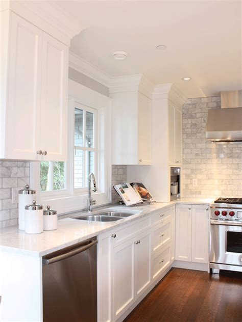 Backsplash With White Cabinets And Gray Walls by White Kitchen Cabinets Grey Tile Back Splash Lots Of