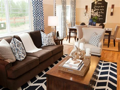 what colour curtains go with brown sofa and cream walls what colour curtains with cream walls and brown sofa