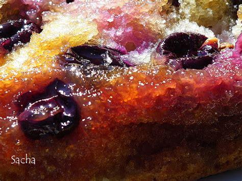 le journal gourmand de sacha g 226 teau renvers 233 au miel et raisin frais