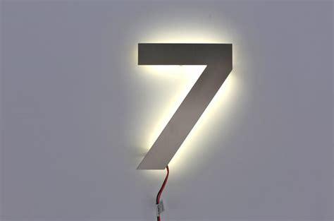 hausnummer edelstahl beleuchtet hausnummer 7 mit led beleuchtet