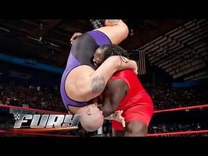 15 super-sized slams: WWE Fury