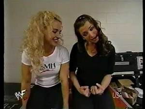 Muffy & Stephanie McMahon [2000-04-16]