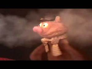 The Muppet Show - Fozzie Bear gets a call from The Fire Department Running Gag (60fps)
