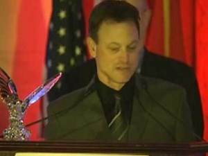 Gary Sinise & Others Honored w/Award