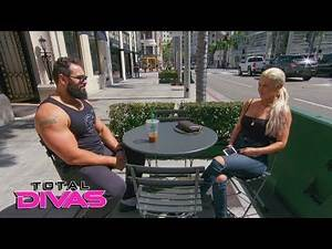 Lana and Rusev pose for the paparazzi: Total Divas, Oct. 3, 2018