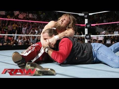 Daniel Bryan clashes with Shawn Michaels: Raw, Oct. 28, 2013