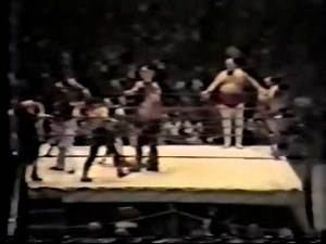 The Super Paralyzer - Controversial debut of Tombstone Piledriver! (11-9-81) Memphis Wrestling