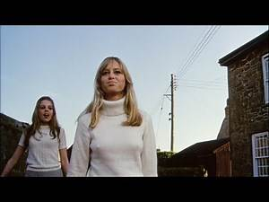 STRAW DOGS Movie Review (1971) Schlockmeisters #932