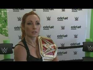 WWE Star 'The Man' Becky Lynch meets fans in Knoxville