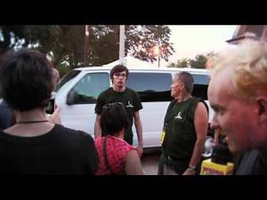Mac DeMarco Band Sees Bjork's Porcupine Head | Weird Vibes Ep18