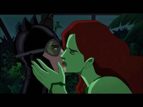 Batman: Hush - Catwoman and Poison Ivy kissing