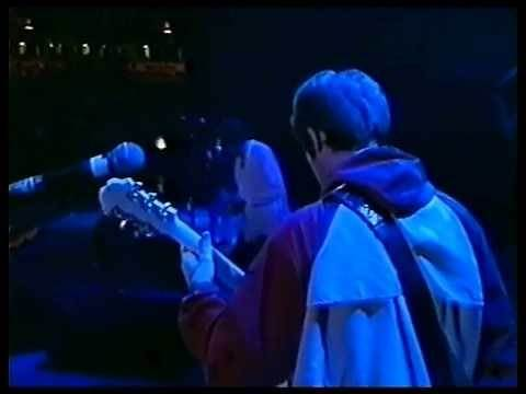 Oasis - Champagne Supernova Live - HD [High Quality]
