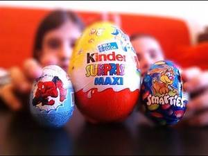 EASTER EDITION Big Maxi Kinder Surprise Egg with MINIONS Bunnies Spiderman Egg and Smarties Candy