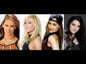 Top 10 WWE Divas of all time