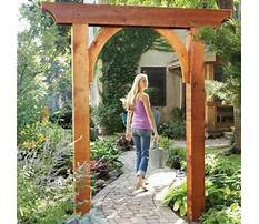 Arched garden gate with frame Plan