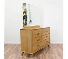 Honey oak dresser with mirror Plan