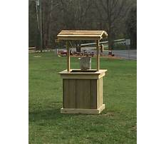 How to build a wood pallet well house Plan
