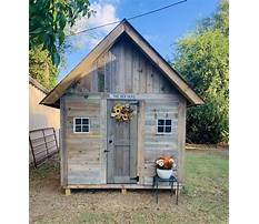 Large fancy chicken coops Plan