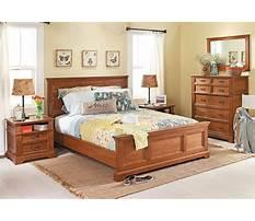 Media dresser in red oak Plan
