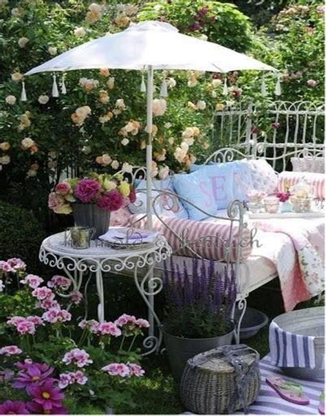 Shabby Chic Garden Decor