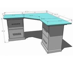 Simple homemade computer desk Plan