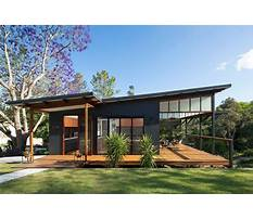 Small beach house plans with flat roof Plan