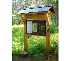 Wooden outdoor information kiosk Plan