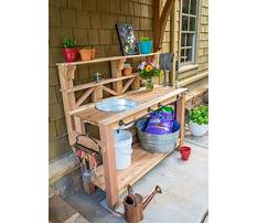Wooden potting bench buckkets Plan